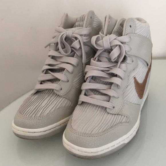 plus récent f201c 2e98e Nike Dunk Sky Hi Wedge Rose Gold Cordullo 7.5